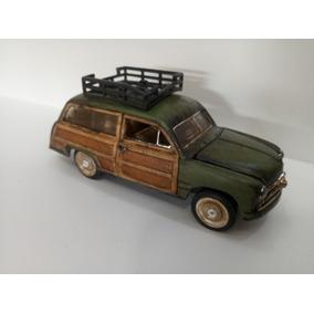 Ford Woody Wagon 1949 Miniatura Replica 1:32