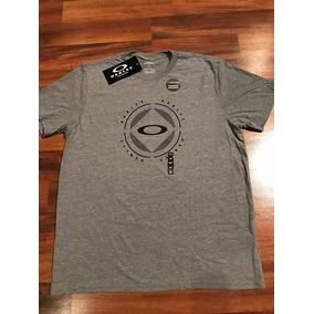 Camisas Da Oakley Listradas Com Bolso - Calçados 1da81bcf77f