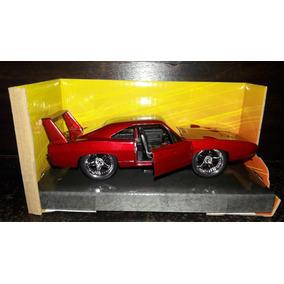 Rapido Y Furioso Dodge Charger Daytona