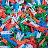 100 Mini Broches Colores Surtidos De Madera 2.5 Cm.