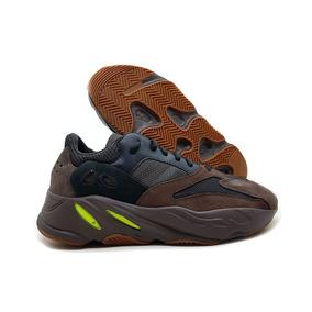 Tênis adidas Yeezy Boost 700 Refletivo Fotos Originais