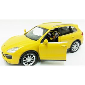 Miniatura Porsche Cayenne Turbo Amarela Rmz 1:32