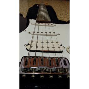 Guitarra Eléctrica Fender Squire + Amplificador Peavey