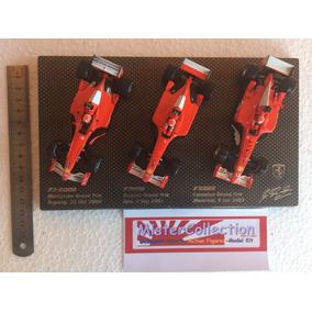 Lote 3 Ferrari Super Detalhada Com Piloto E Base Hotweels