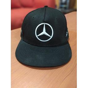 0866131eaf485 Gorra Plana Negra Mercedes-benz Amg Petronas Lewis Hamilton