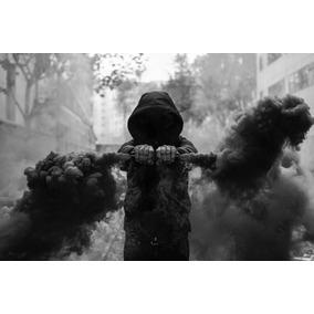 Nuevas Bengalas/bombas De Humo Color Negro Fotografia