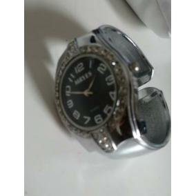 7b7d26e98a0 Maravilhoso Relogio Mryes Quartz Dourado - Relógios De Pulso no ...