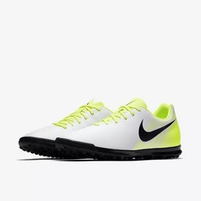 c72b83509f Chuteira Infantil Nike Magista Ola Tf Original 36 - Chuteiras Branco ...