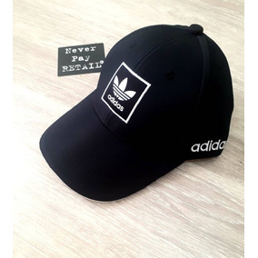 Gorra Adidas Negra Con Letras - Ropa y Accesorios en Mercado Libre ... e6ba79a2f34