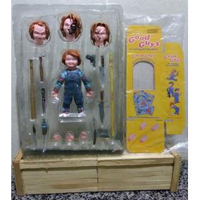 Boneco Chucky - Bonecos e Figuras de Ação no Mercado Livre Brasil 3f7f77bfd3c