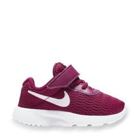 Tenis Casual Nike Tanjun Color Vino Para Niña Nx1076 A
