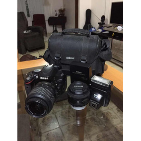 Nikon D5100 + 18-55mm + 50mm + Flash