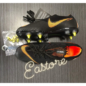 1d9602eef3 Chuteira Trava Aluminio Nike - Chuteiras Nike de Campo para Adultos ...