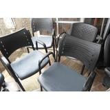 Cadeira Empilhaveis Com Braços 40,00 Cada A Retirar
