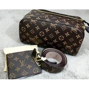 Necessaire Gucci - Calçados, Roupas e Bolsas Masculinas no Mercado ... df9e0f9c56
