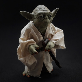 Action Figure Yoda - Star Wars
