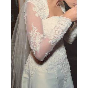 Vestido De Noiva Com Aplicação Em Renda Francesa Rebordada
