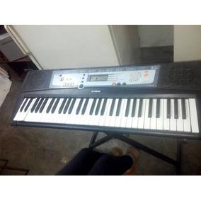 Piano Con Su Base