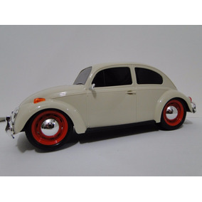 Fusca Bege Escala 1:18 24 Cm Plástico Volkswagen Beetle
