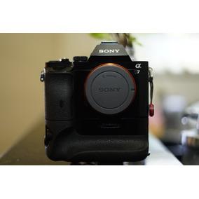Câmera Sony Alpha A7 Full Frame + Grip Sony Vg-c1em