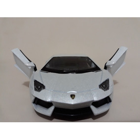 Miniatura Lamborghini Aventador Branco Kinsmart 1/38