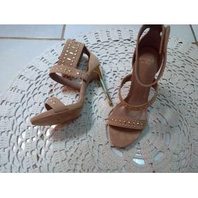 b533a7817dc Sandalia Versace - Calçados