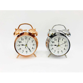 822419bf001 Relógio De Mesa Analógico Retro Com Despertador E Luz