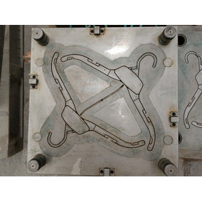 Fabricación De Moldes De Inyección Acero Inyectora Moldeador