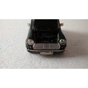 Miniatura Mini Cooper 1969 Verde Burago 1/24 Usado