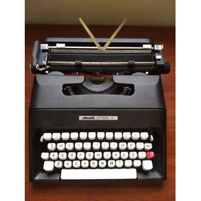 Máquina De Escrever Olivetti Lettera 37 - Impecável !