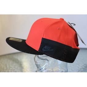 Nike Gorra Unitalla Sportswear Snap Back Classic a3b98e5e6b0