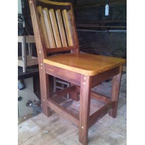 Cadeiras De Madeiras De Canafistula, De Demolição