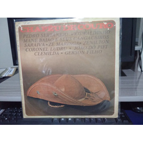 Chapeu Sertanejo Feminino - Vinil   LPs de Música no Mercado Livre ... 3fb6084e617
