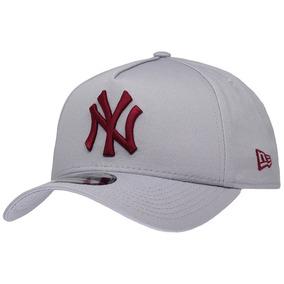 74c97ec7d02a1 Boné New Era Aba Curva Mlb Ny Yankees Blackout - Bonés no Mercado ...