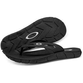 1eceaa5fee372 Chinelo Oakley Operative Branco - Sapatos Preto em Franca no Mercado ...