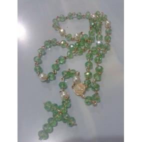Terço De Cristal Na Cor Verde Claro