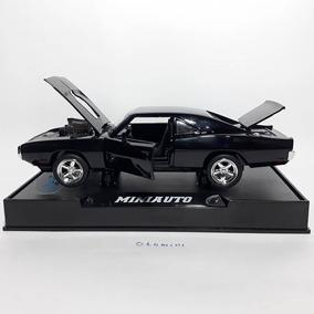 Miniatura Dodge Charger 1970 Com Caixa + Base Toretto 1:32