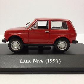 Miniatura - Lada - Niva - 1991 - Vermelho - 1:43 - Ixo