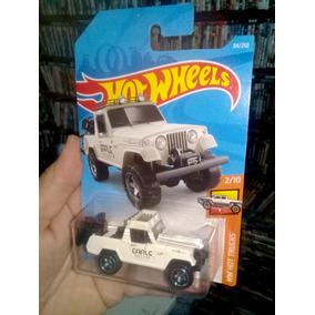 Hot Wheels 67 Jeepster Commando Lacrado