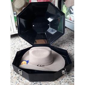 Sombreros En Fieltro Y Ruanas - Sombreros para Hombre en Usaquén en ... 6f73fb8c5da