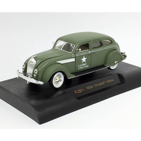 Miniatura Chrysler Airflow Army 1936 Verde 1:32 Signature