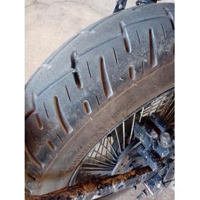 Pneu Traseiro Pirelli 130/90/15 Usado Apenas Quatro Meses