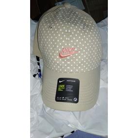 Gorras Nike Mujer - Ropa y Accesorios en Mercado Libre Perú 857b070438d