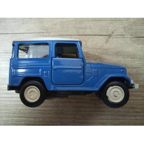 Miniatura Toyota Bandeirante