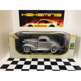 Pontiac Deluxe 1936 1/18