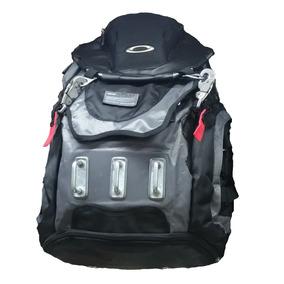 a1e23df298068 Mochila Oakley Pronta Entrega Para Alpinismo Melhor Preço - Mochilas ...
