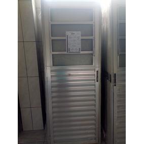 Porta De Alumínio Basculante Linha 25 210x080 Brilhante