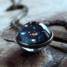 Collar De Laton Con Un Sistema Solar