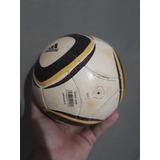 Bola Jabulani Oficial Adida - Mini Bolas Adidas de Futebol no ... a35fea37ec662