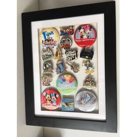 Quadro Com Botons Da Disney Colecionáveis E Únicos